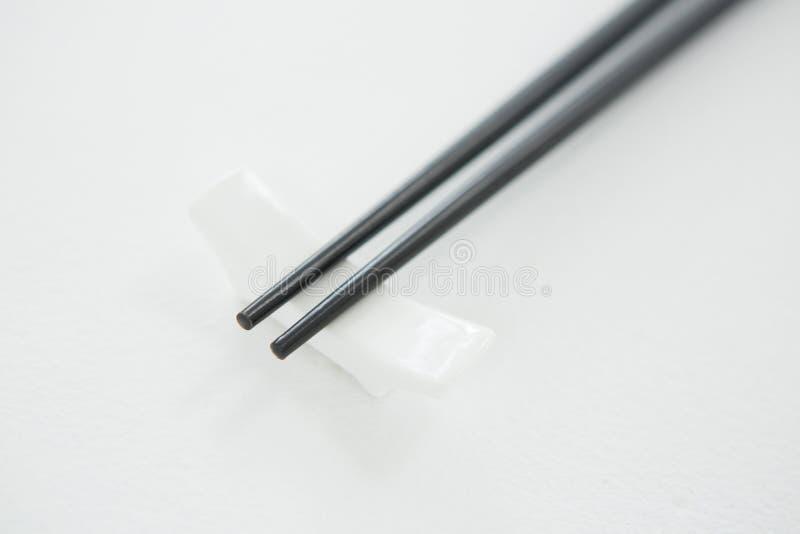 Черные палочки на остатках палочки стоковое фото rf