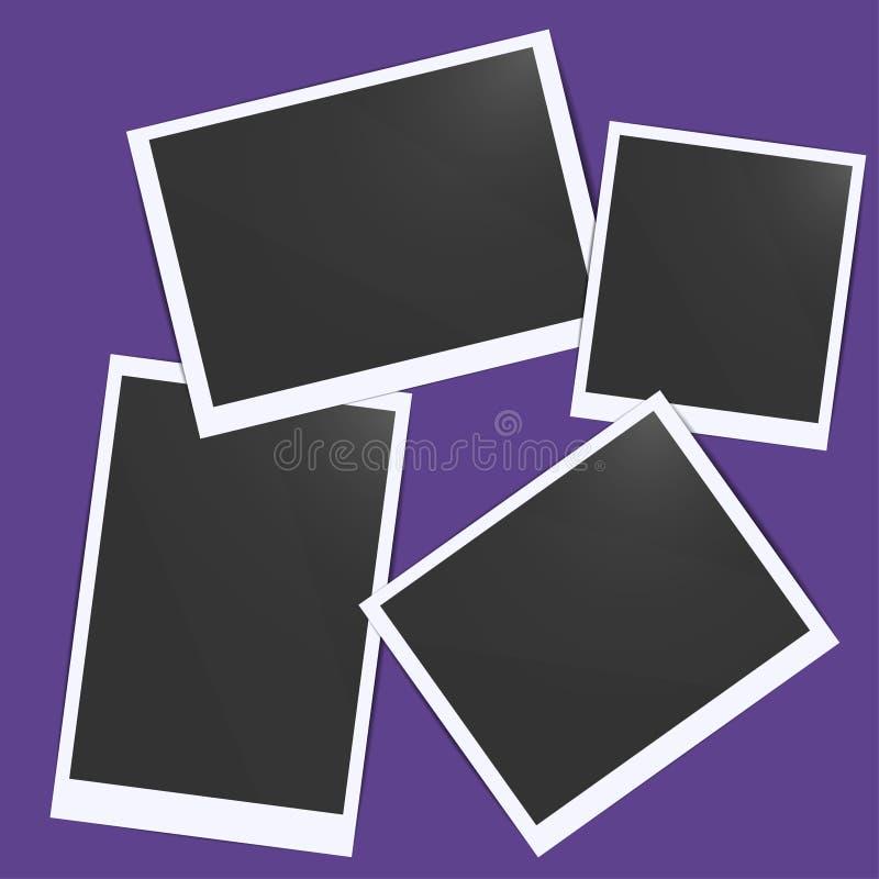 Черные пустые рамки фото изолированные на фиолетовой прозрачной пред иллюстрация штока