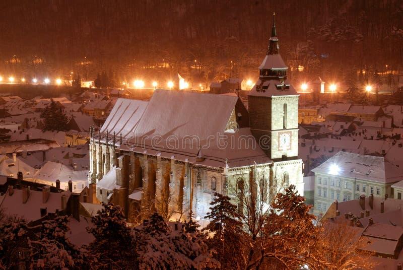 черный взгляд ночи церков brasov стоковое изображение rf