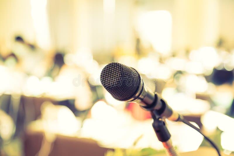Черный микрофон (фильтрованное обрабатываемое изображение стоковые изображения rf
