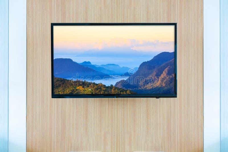 Download Черный модель-макет экрана телевизора ТВ СИД Ландшафт на мониторе Стоковое Фото - изображение насчитывающей дом, рамка: 81812428