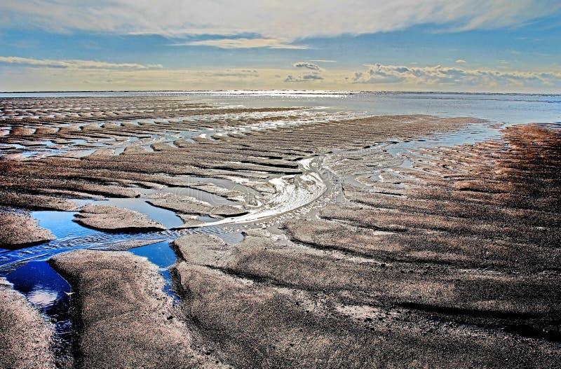 Черный пляж песка лавы, южный берег, Исландия стоковые фотографии rf