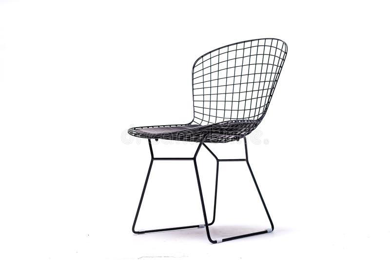 Черный стул цвета, пластиковый, деревянный, кожаный стул, современный дизайнер Стул изолированный на белой предпосылке Серия  стоковая фотография