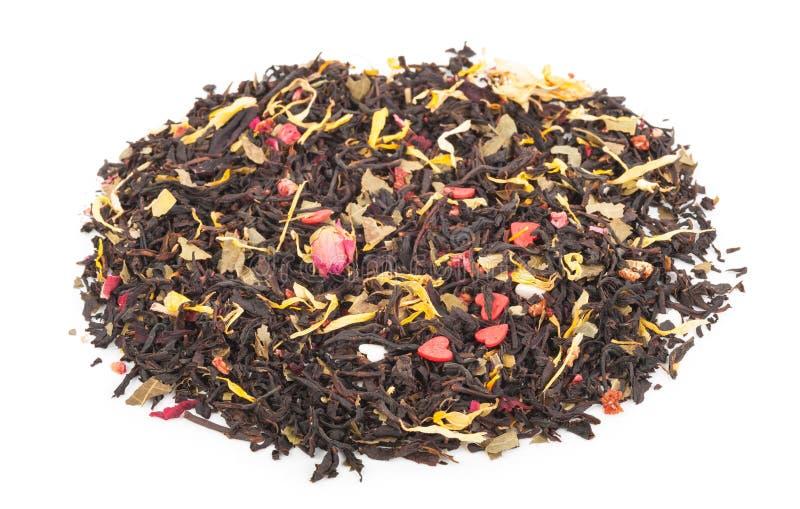 Download Черный сухой чай с плодоовощами и лепестками Стоковое Изображение - изображение насчитывающей черный, лепестки: 81809201