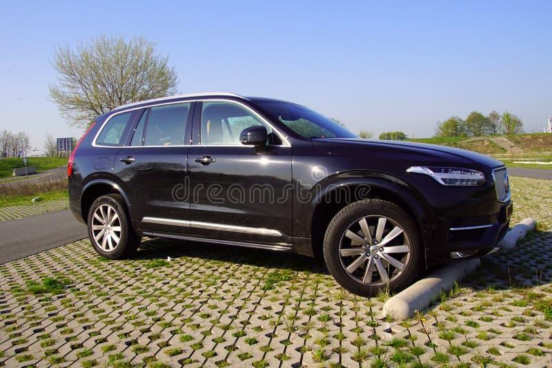 Черный Volvo XC90 SUV стоковые изображения rf