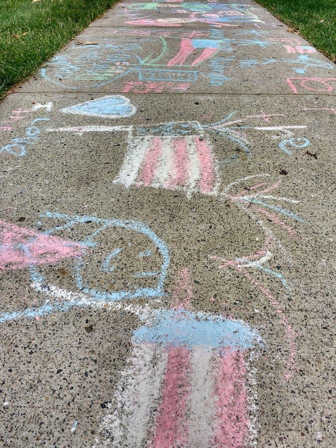 Чертежи мела тротуара стоковое изображение rf