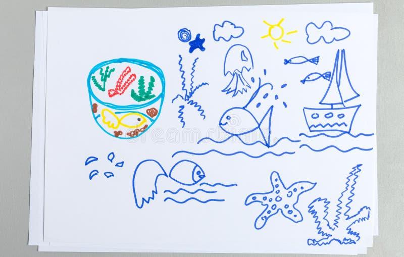 Чертежи ребенк установили различных морских животных и элементов стоковое изображение rf