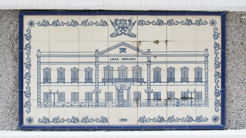 Чертеж искусства на керамической стене внутри гражданской и муниципальной конторы дел (IACM) - лояльного Senado в a 1999 d стоковые фото