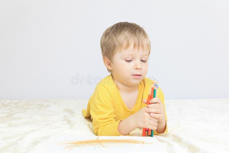 Download Чертеж мальчика стоковое изображение. изображение насчитывающей чертеж - 37926315
