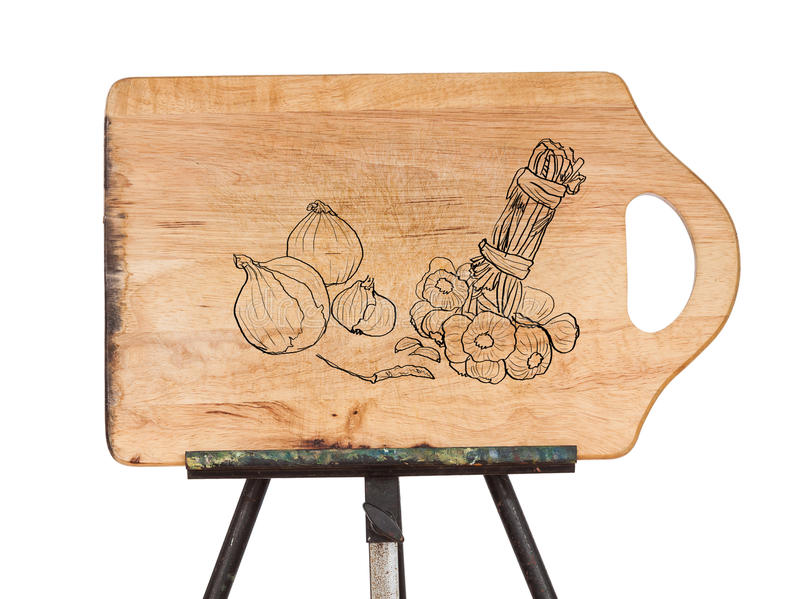 Чертеж овоща на деревянном месте прерывая доски на eas металла стоковые изображения rf