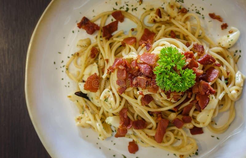 Чеснок chili бекона спагетти стоковое изображение rf
