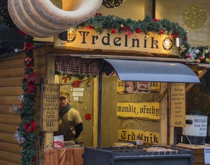Чехия, Прага, старый городок, 6-ое декабря 2017: украшенный ch стоковые изображения