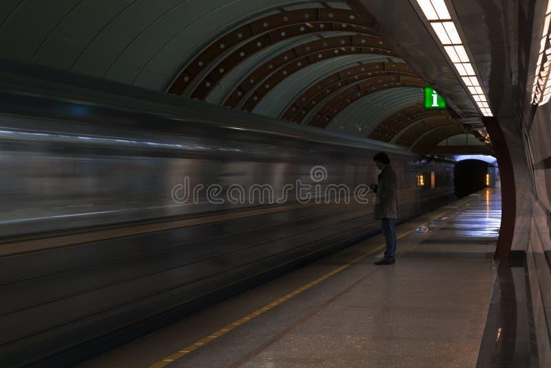 Человек в метро стоковая фотография rf