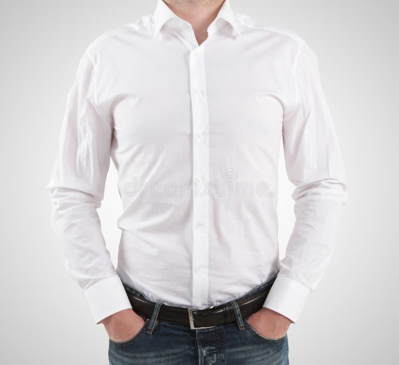 Download Человек в футболке стоковое изображение. изображение насчитывающей изолировано - 37927145