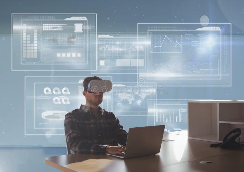 Человек в шлемофоне VR используя компьютер против голубой предпосылки с интерфейсами иллюстрация штока