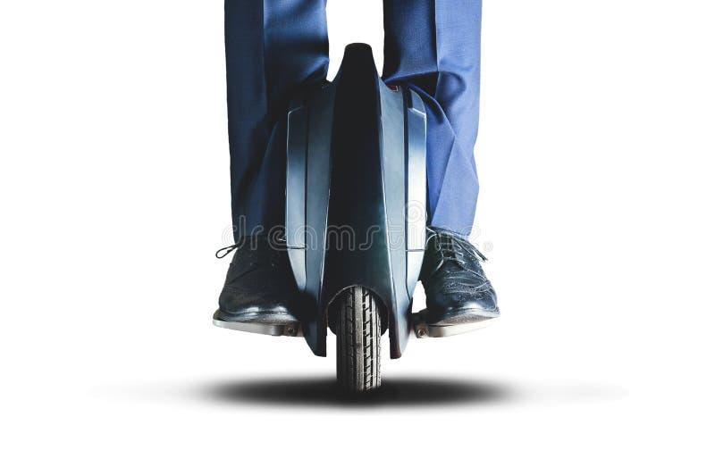 Человек ехать переход mono колеса электрический стоковое изображение rf