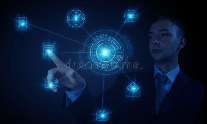 Человек используя современные технологии стоковое фото rf