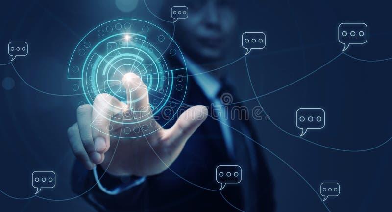 Человек используя современные технологии стоковое изображение