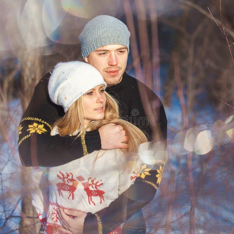 Человек и женщина идя в парк стоковое фото rf