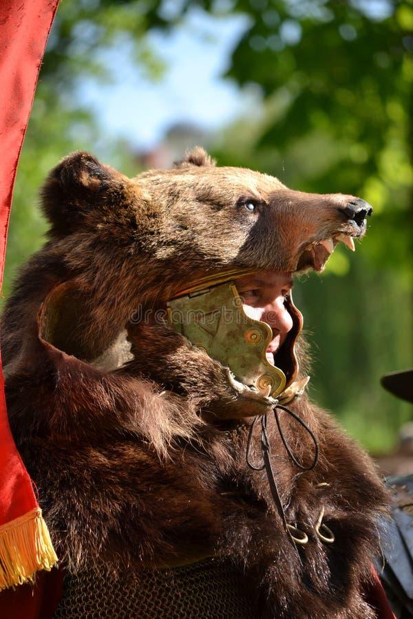 Человек медведя стоковые фото