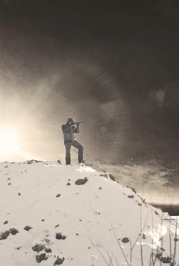 Человек на холме стоковые изображения rf