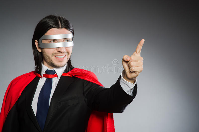 Человек нося красную одежду стоковая фотография