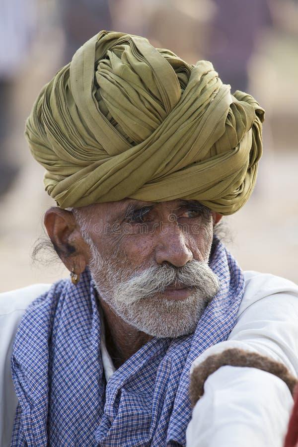 Download Человек портрета индийский в Pushkar Индия Редакционное Стоковое Изображение - изображение: 71721884