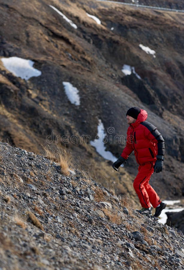 Человек приключения trekking стоковое изображение