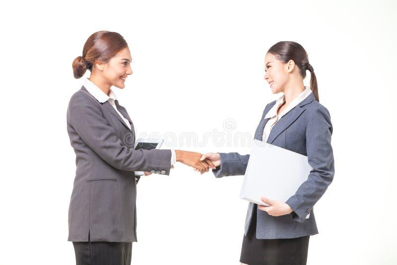человек руки дела изолированный руками трястиет белую женщину стоковое изображение