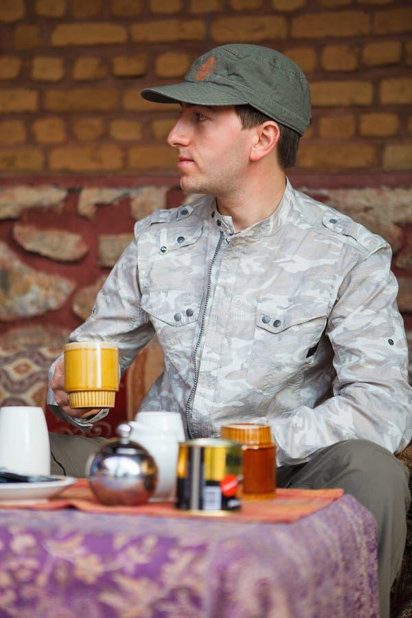 Человек сафари стоковая фотография rf