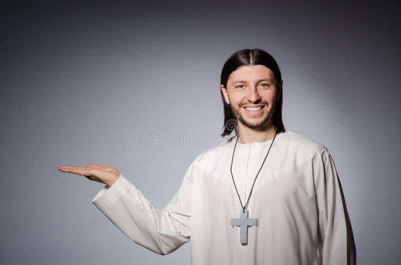 Человек священника в религиозном стоковые фотографии rf