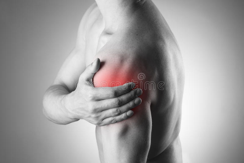 Человек с болью в плече Боль в человеческом теле стоковое изображение rf