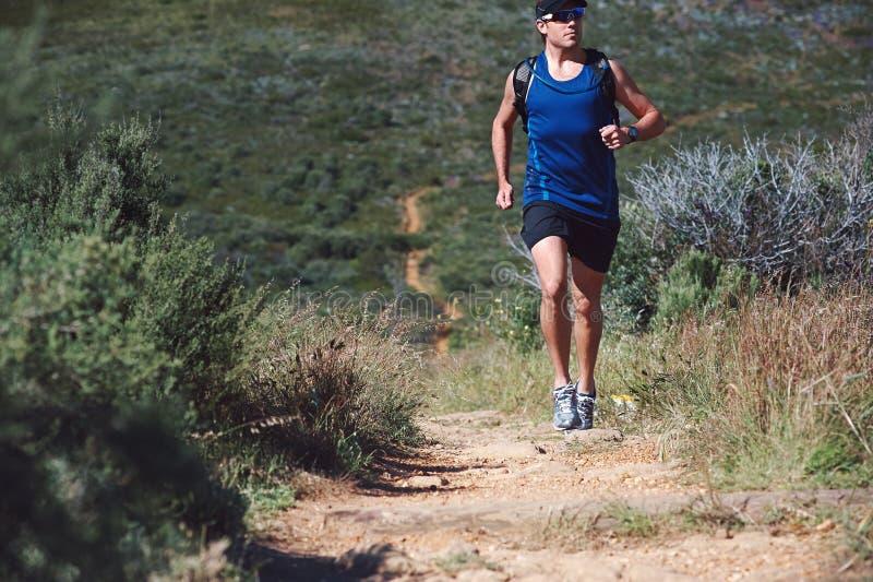 Download Человек следа фитнеса стоковое фото. изображение насчитывающей снаружи - 40579922
