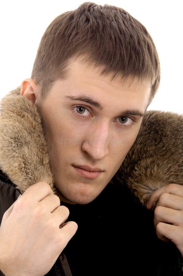 Человек с теплой одеждой стоковые изображения rf