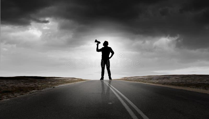 Человек с трубой стоковые изображения rf