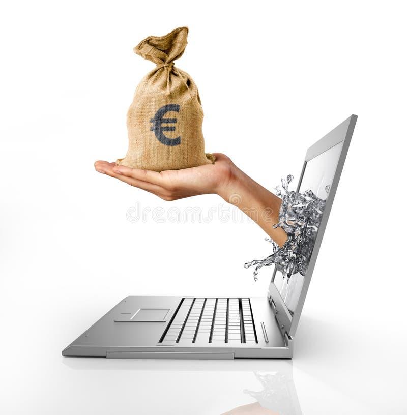 Человеческая рука при сумка евро, приходя вне от экрана компьютера. стоковая фотография rf