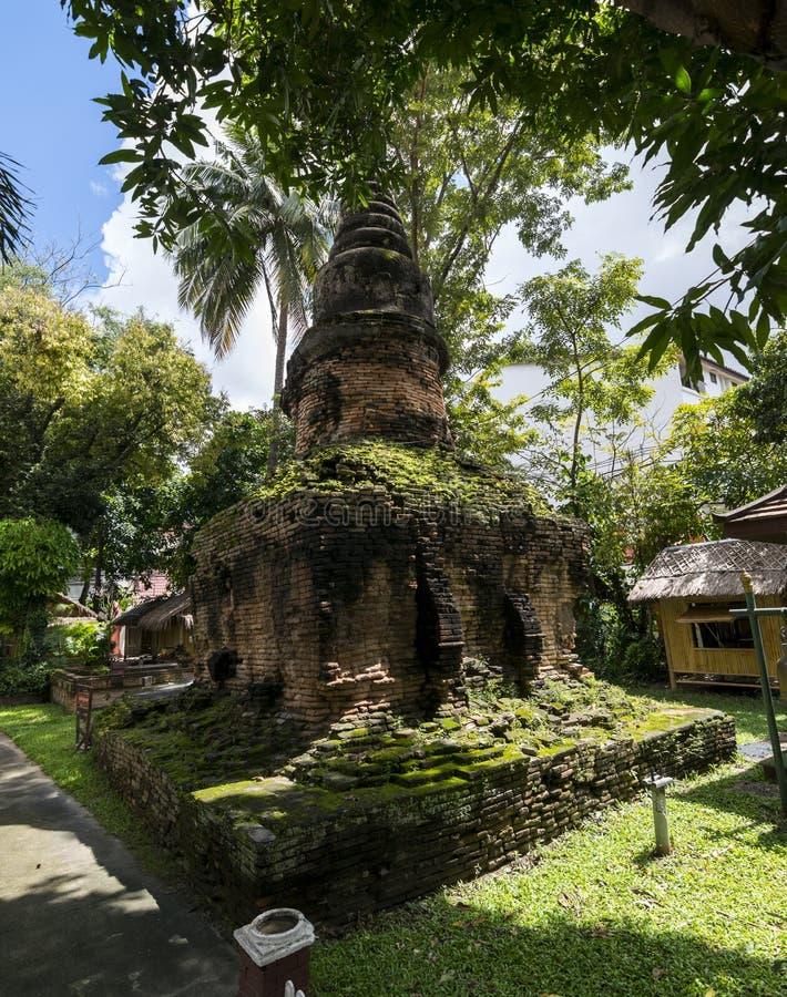 Чиангмай, Таиланд - 7-ое октября 2017: Старая пагода на Umong m стоковое фото