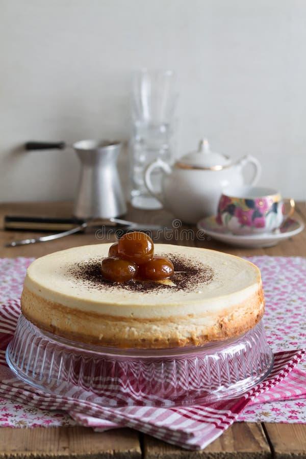 Чизкейк, воздушный десерт творога стоковые фотографии rf