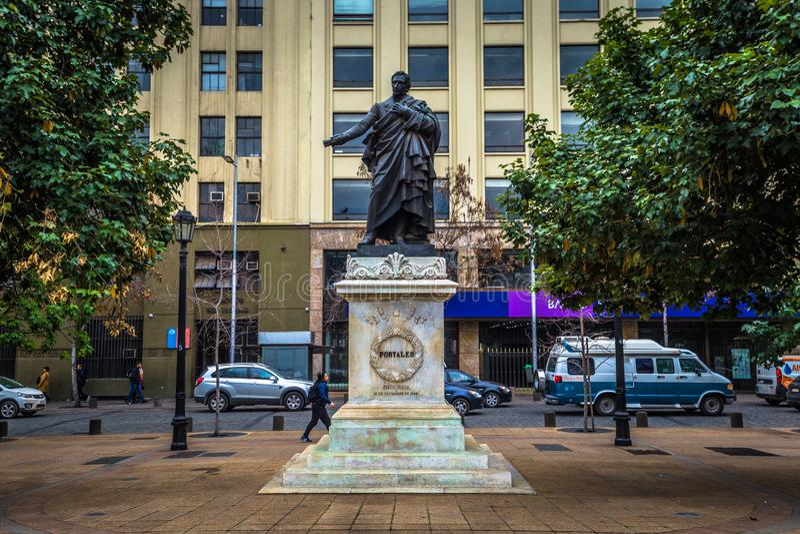 Чили - 8 июля 2017 года: Памятник Диего Порталесу в Сантьяго-де-Чили стоковая фотография rf