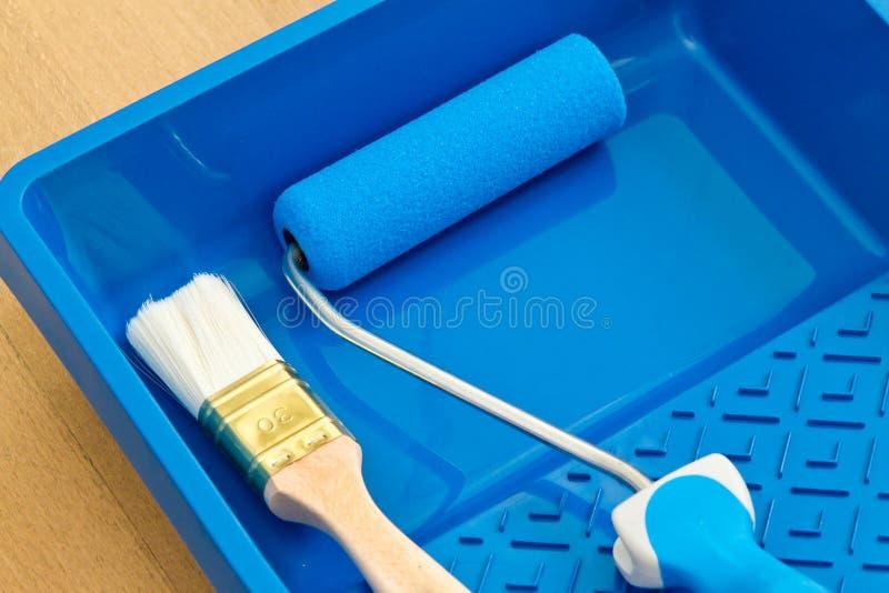 чистит инструменты щеткой ролика картины стоковая фотография rf