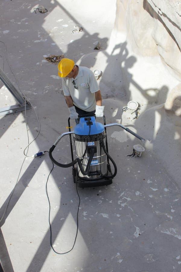Чистка и восстановление фонтана Trevi стоковые изображения rf