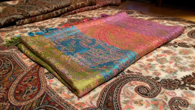 Чисто silk multicolor pashmina над шалью kani кашемира стоковое фото rf