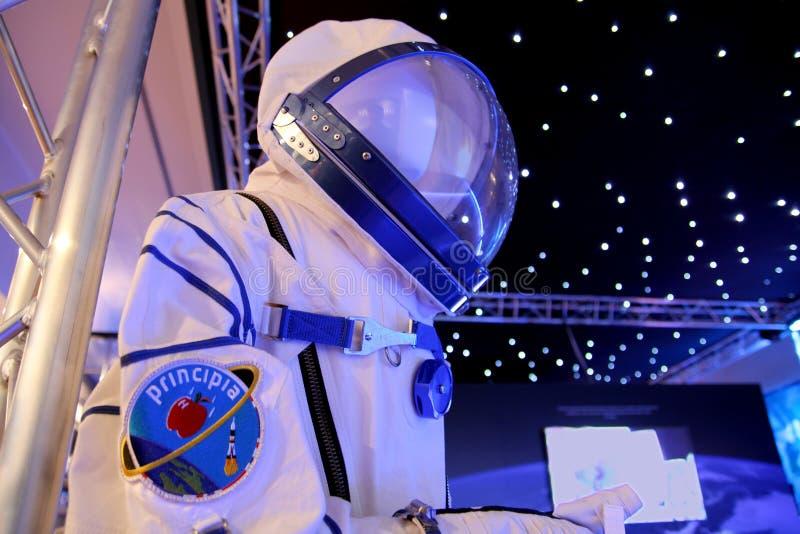 Чичестер, Сассекс, Великобритания - 15-ое февраля 2017: Космический костюм несенный Briti стоковые фото