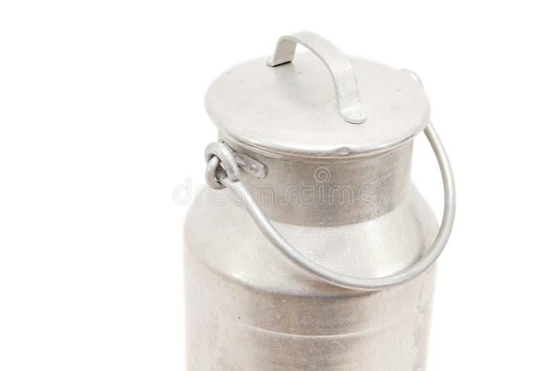 Download Чонсервная банка молока стоковое фото. изображение насчитывающей молокозавод - 18379072