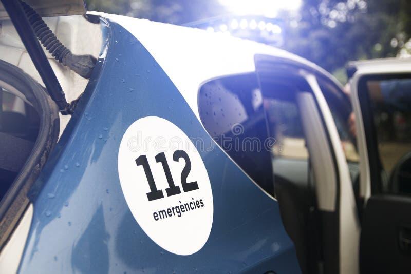 Чрезвычайная помощь к обслуживанию 112 в Каталонии, Испании Полицейская машина Esquadra ` Mossos d судебная с сиреной сигнала тре стоковое фото