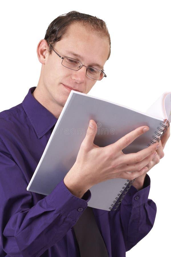 Download чтение бизнесмена книги стоковое изображение. изображение насчитывающей рука - 6870039