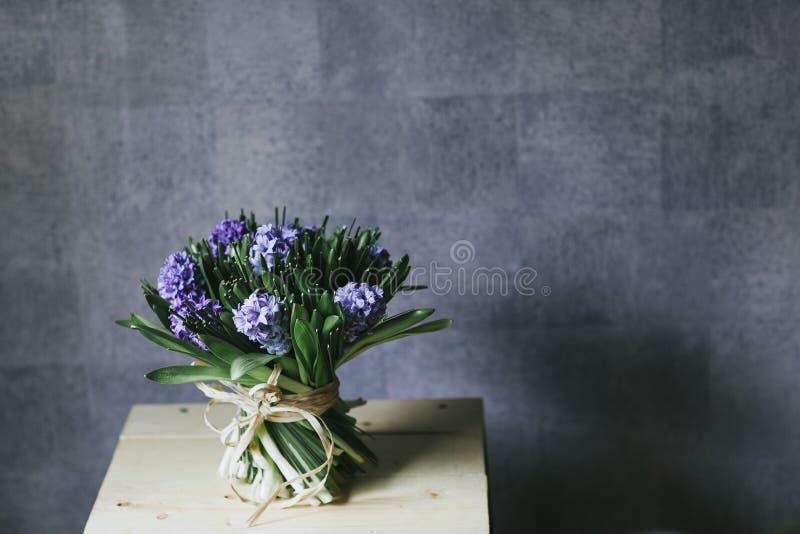 Чувствительный красивый букет цветков закрывает вверх стоковые фотографии rf