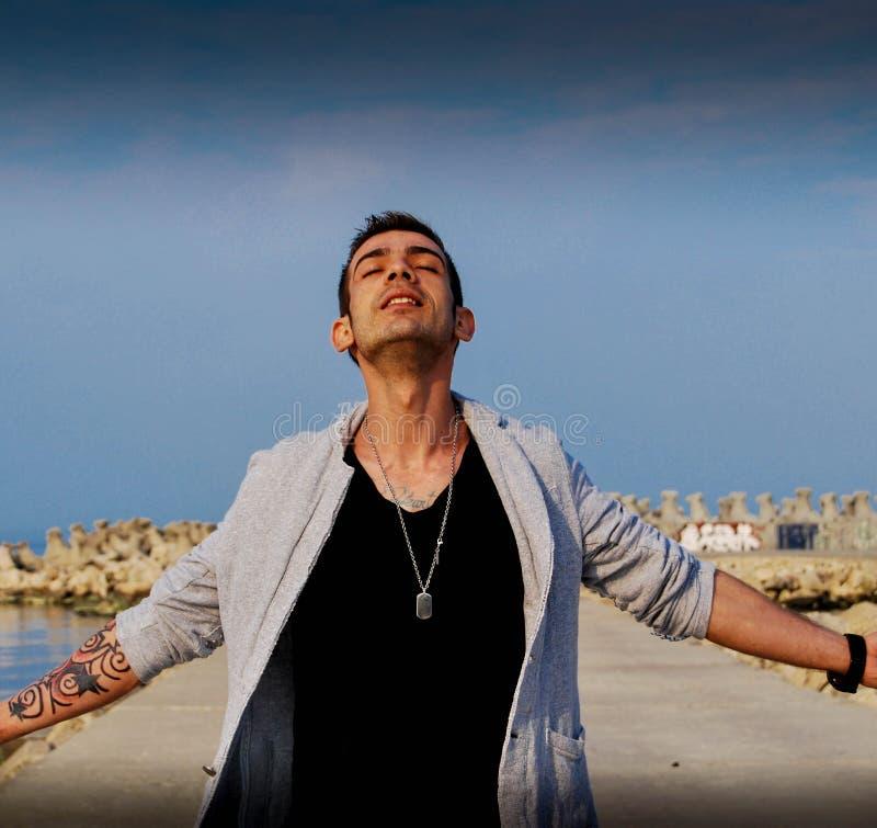 Чувствовать свободный и мощный как бог стоковое изображение rf