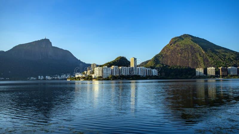 Чудесные места в мире Лагуна и район Ipanema в Рио-де-Жанейро, Бразилии стоковое изображение