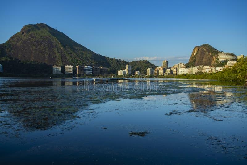 Чудесные места в мире Лагуна и район Ipanema в Рио-де-Жанейро, Бразилии стоковая фотография